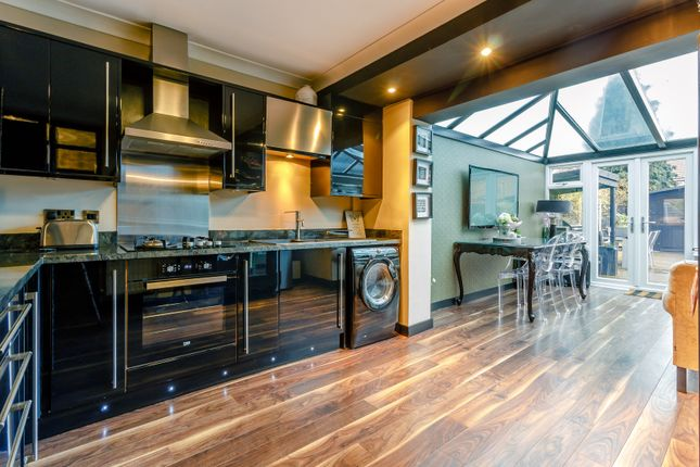 Thumbnail Flat for sale in Claremont Road, Hornchurch