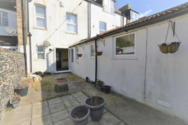 Thumbnail Flat to rent in Ethelbert Gardens, Margate