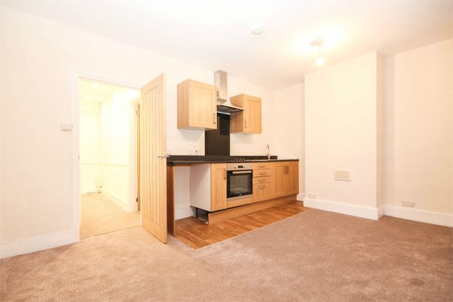 1 bed flat to rent in Coulsdon Town Centre, Coulsdon, Surrey CR5