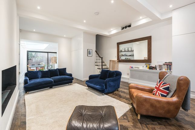 Thumbnail Flat to rent in Quadrant Grove, London