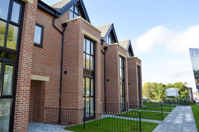 Thumbnail Town house to rent in Manchester Road, Swinton, Manchester