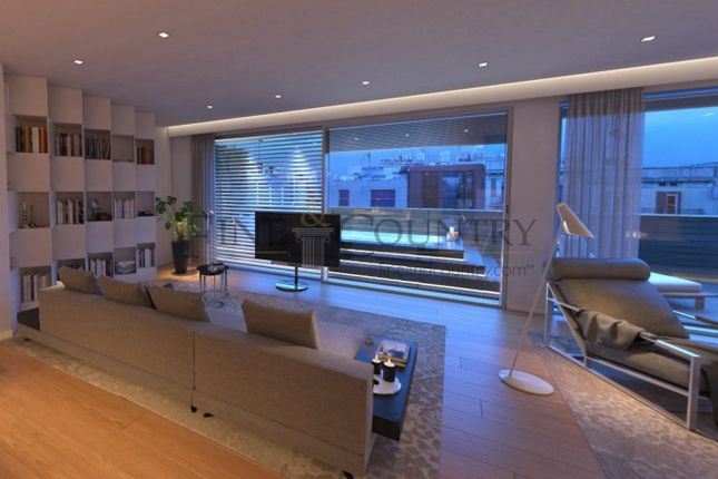 Apartment for sale in L´Antiga Esquerra De l´Eixample, Barcelona, Spain