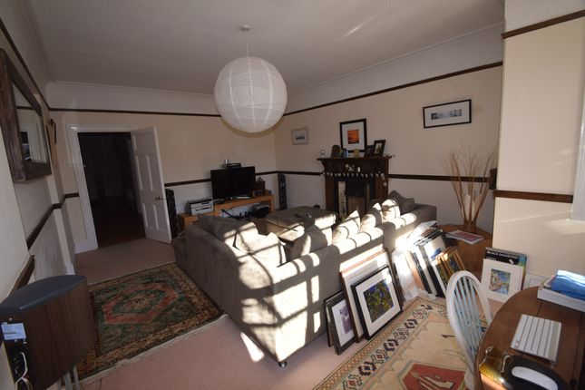 Thumbnail Flat to rent in Flat 1, 21 Old Orchard Road, Eastbourne