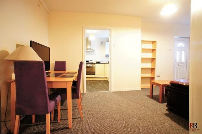 Thumbnail Bungalow to rent in Cross Villa Place No4, Newcastle Upon Tyne
