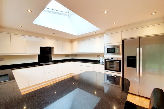 Thumbnail Detached house to rent in Claremont Road, Hadley Wood