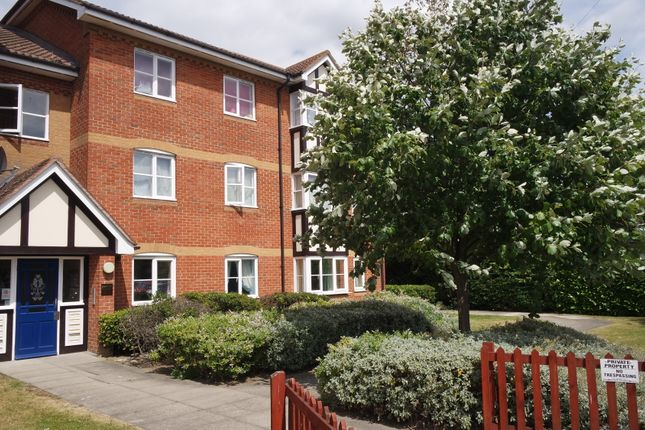 Thumbnail Flat for sale in Redwood Gardens, London