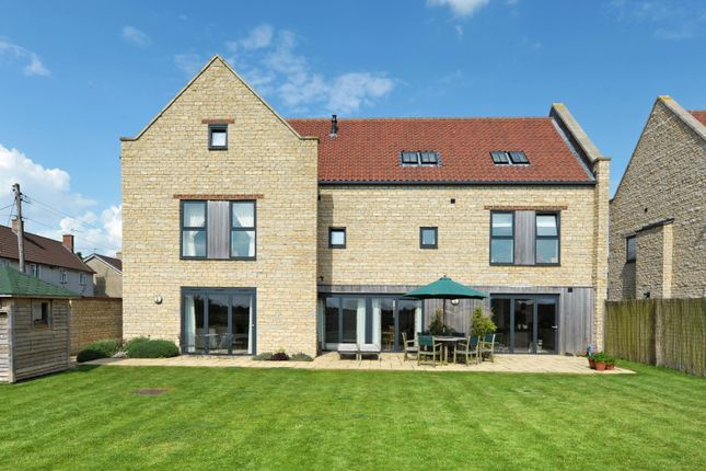 Thumbnail Barn conversion to rent in Ettone Barns, Castle Eaton, Swindon, Wiltshire