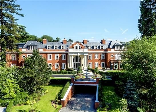 Thumbnail Flat for sale in Park Hill Drive, Cobham, Surrey
