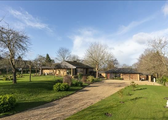 Thumbnail Detached house for sale in Barford Hill, Warwick, Warwickshire