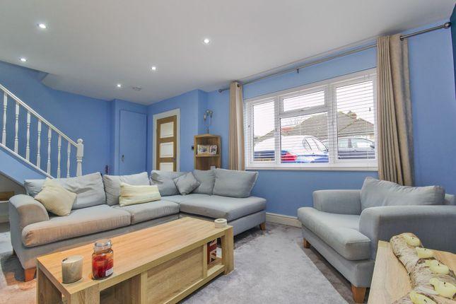 Lounge of May Road, Dartford DA2
