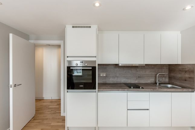 Thumbnail Flat to rent in 5, - 19 Cobbett Close, London