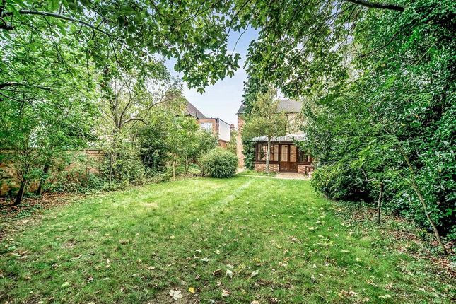 4 bed semi-detached house to rent in King Edward Road, Bedford MK41