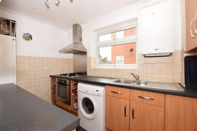 Thumbnail Flat for sale in Essenden Road, Belvedere, Kent