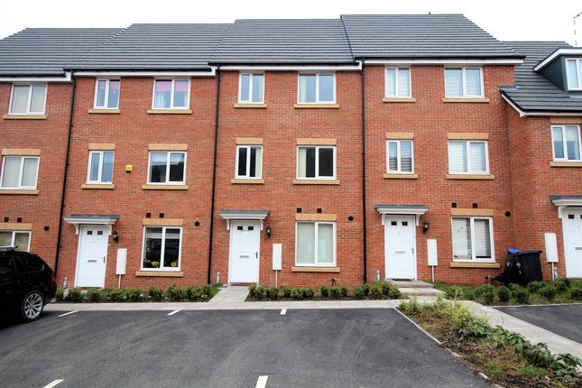Thumbnail Property to rent in Nickleby Close, Butterfield Gardens, Rugby