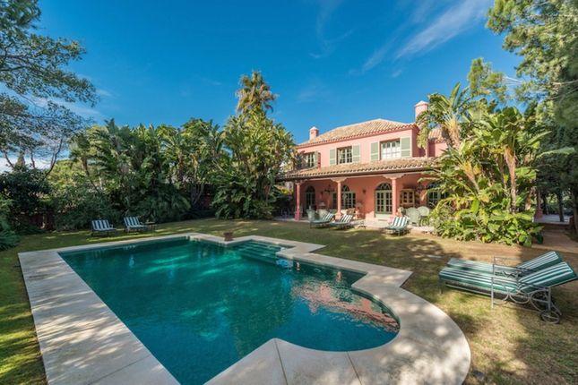 Villa for sale in Hacienda Las Chapas, Costa Del Sol, Spain
