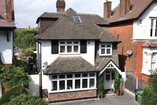 Main Picture of Crescent Road, London E4