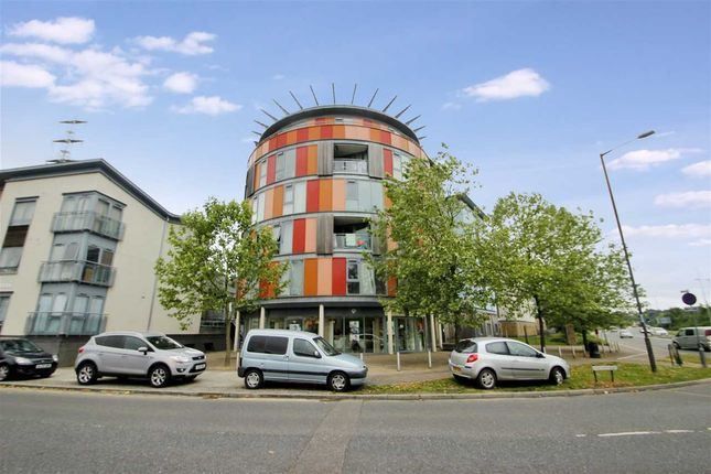 Thumbnail Flat for sale in Quayside Drive, Hythe, Colchester