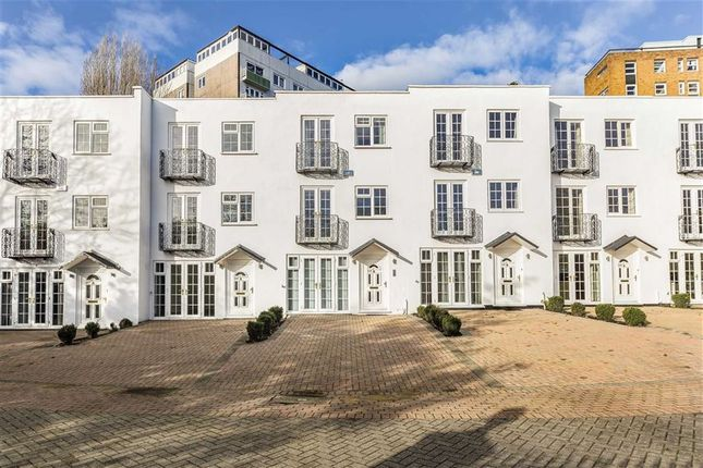 5 bed property for sale in Kingston Hill, Kingston Upon Thames