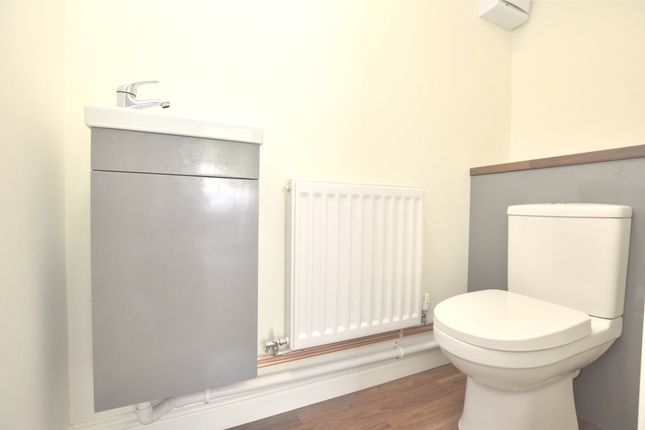 Cloakroom of Coomb End, Radstock BA3
