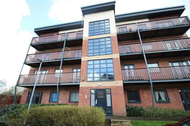 Thumbnail Flat for sale in Canalside, Radcliffe, Manchester