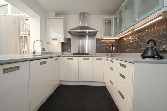 Thumbnail Terraced house to rent in Doveney Close, Orpington