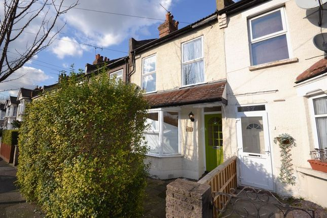 2 bed terraced house to rent in Goldsmith Road, London