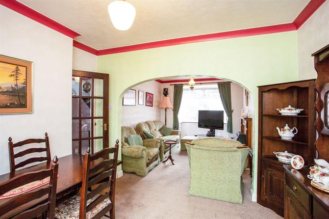 Dining Area of Teignmouth Avenue, Mansfield NG18