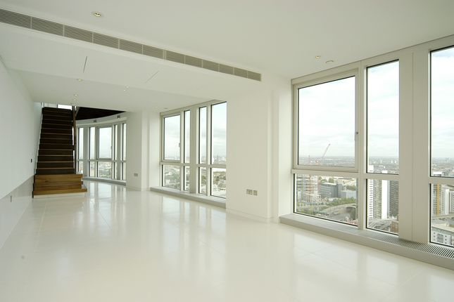 Thumbnail Flat to rent in Ontario Tower, Fairmont Avenue, Canary Wharf