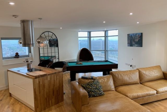 Thumbnail Flat to rent in Bute Terrace, Cardiff