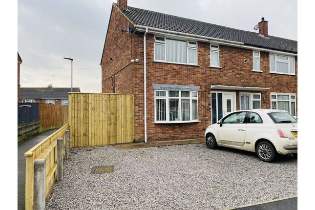 2 bed end terrace house for sale in Stromness Way, Hull HU8