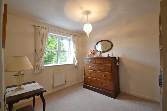 Bed 2 Alt of Manor Crescent, Epsom KT19
