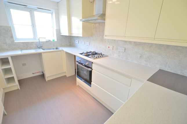 Thumbnail Detached house to rent in Gowings Green, Cippenham, Slough