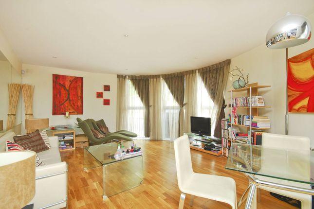 2 bed flat for sale in Basire Street, Islington, London N1