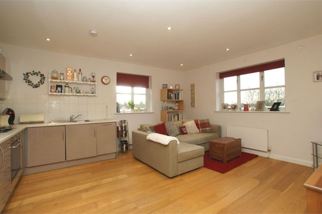 1 bed flat to rent in Mole View, Brittain Road, Hersham, Walton-On-Thames, Surrey