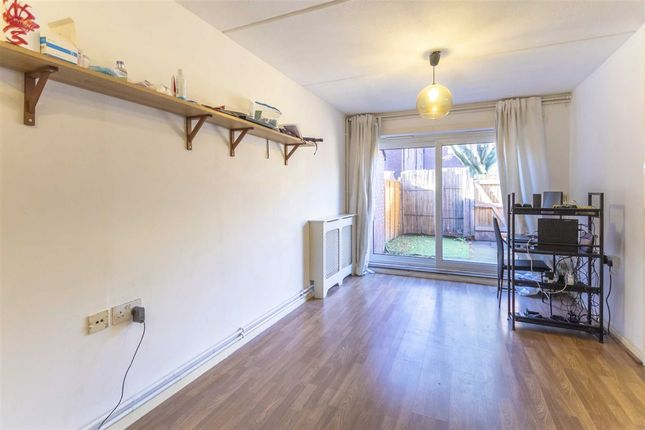 Thumbnail Flat for sale in Clement Close, London