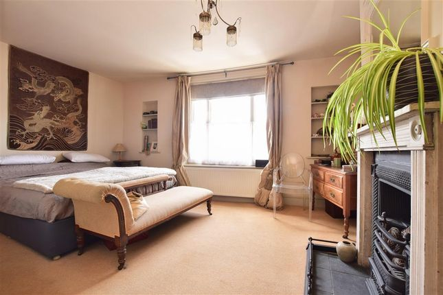 Thumbnail Terraced house for sale in Quay Street, Newport, Isle Of Wight