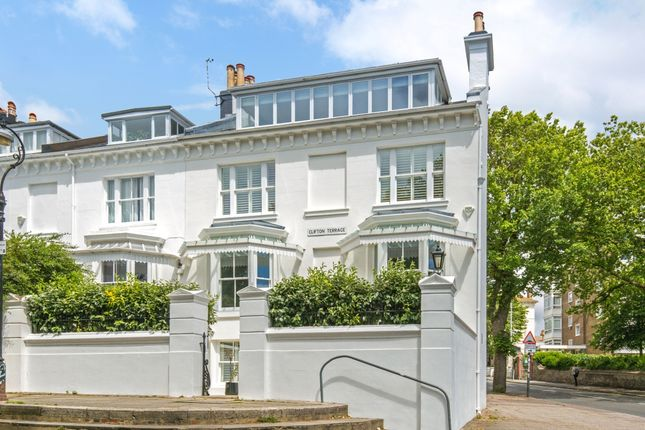 Thumbnail End terrace house to rent in Clifton Terrace, Brighton