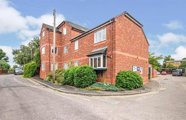 Thumbnail Flat to rent in Cornwall House, Cornwall Place, Leamington Spa, Warwickshire