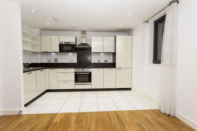 Thumbnail Flat to rent in Needleman Street, London