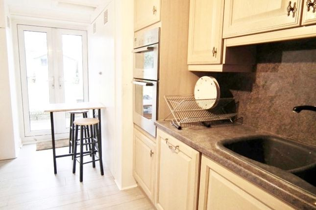 Room to rent in Southbridge Place, Croydon CR0