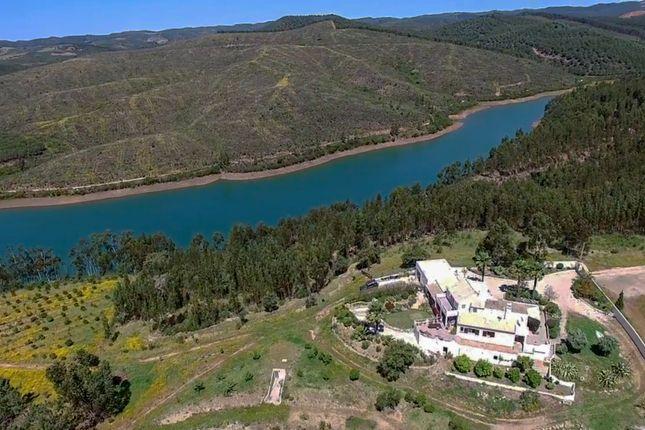 Villa And Barragem Da Bravura