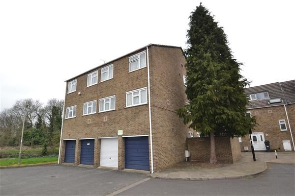 Thumbnail Flat for sale in Pentelow Gardens, Feltham