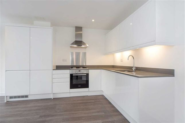 Thumbnail Flat to rent in Polytechnic Street, Woolwich, London