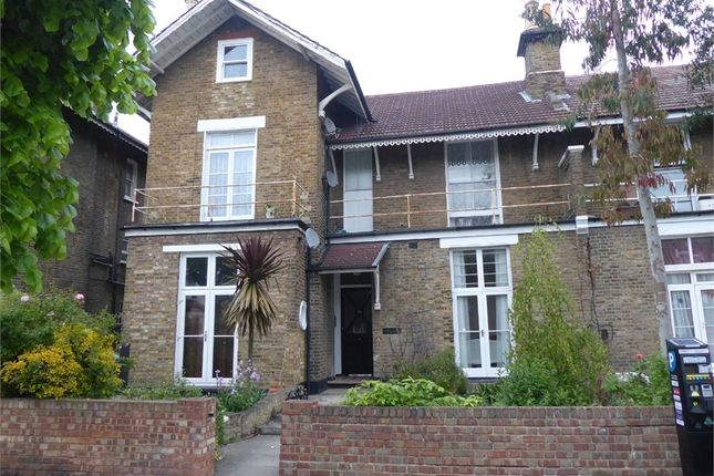 Thumbnail Studio to rent in Oliver Grove, London
