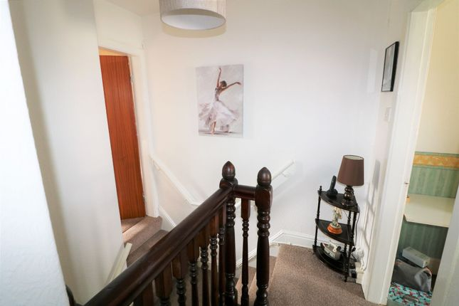 Photograph 10 of Castlefields Drive, Rastrick, Brighouse HD6