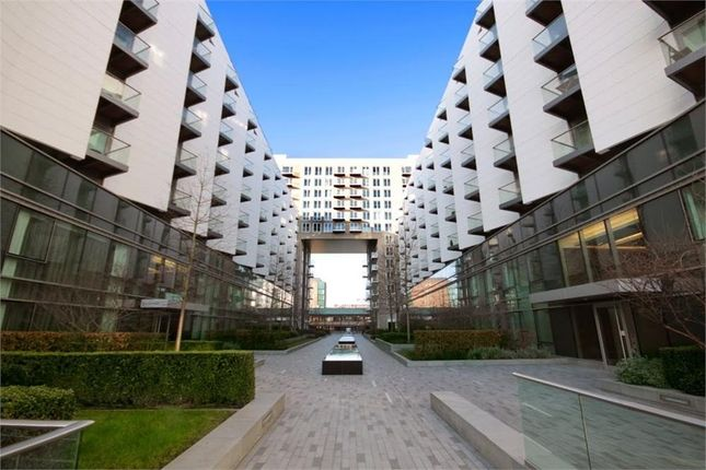 2 bed flat to rent in Baltimore Wharf E14,