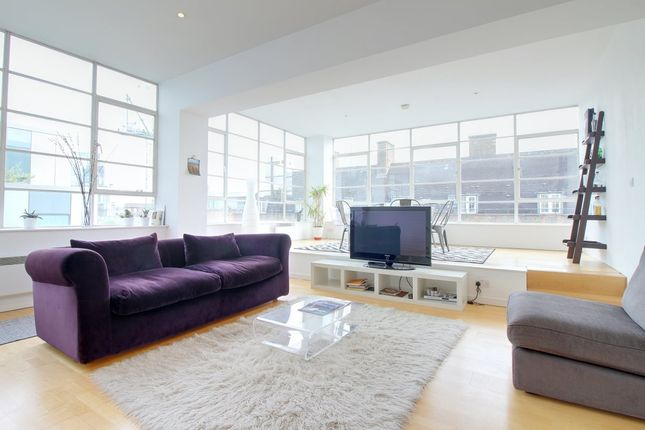 Thumbnail Flat to rent in Strype Street, London