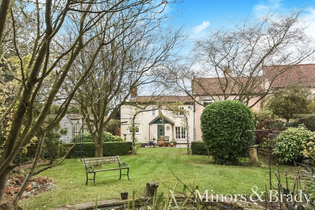 Thumbnail Cottage for sale in Mill Road, Blofield, Norwich