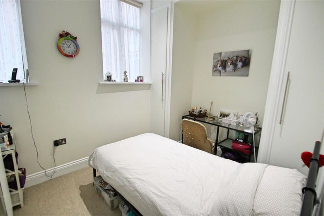 Bedroom Two: of Royal Connaught House, Royal Connaught Drive, Bushey WD23
