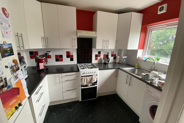 Thumbnail Flat to rent in Deborah Close, Osterley, Isleworth